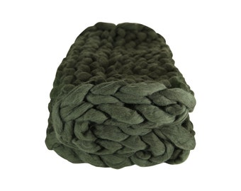 Brand new pure merino wool chunky knit blanket (forest colour/baby 100cm x 70cm)