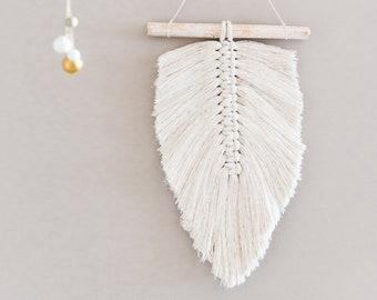 white feather boho in macramè rope