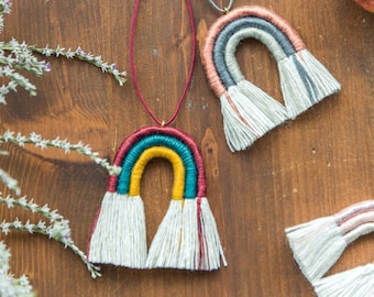 Rainbow necklace in macrama rope dusty colors