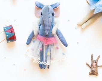 Mini elephant doll, small elephant in fabric, elephant for the doll house, travel toy with borsina
