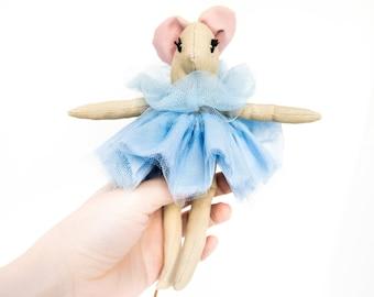 Topolina ballerina per la casa delle bambole