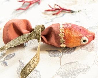 Contenitore per piccoli oggetti di ispirazione vintage a forma di pesce