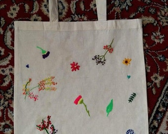 Embroidered flower tote