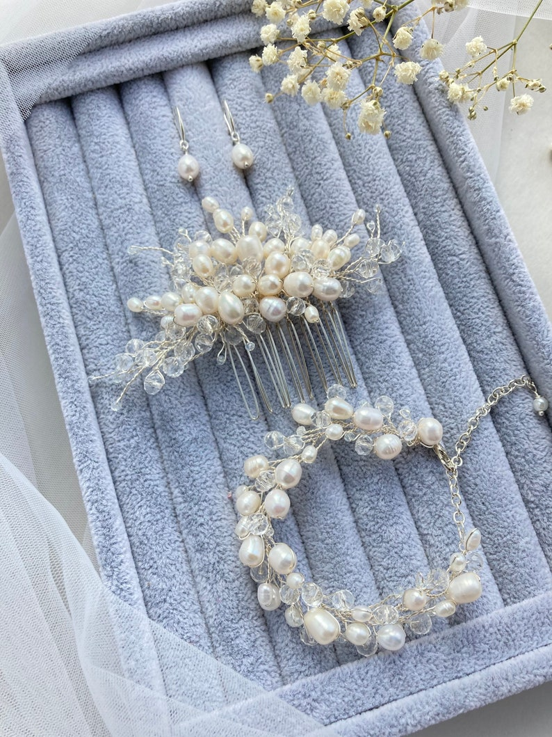 Bridal hair comb Pearl hair comb Wedding set Pearl earrings Vridal bracelet Boho Wedding hair piece Crystal hair comb Small pearl hair piece