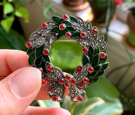 Vintage 6 Christmas Brooches Wreath, 2 large and small Trees Candy Cane Bell