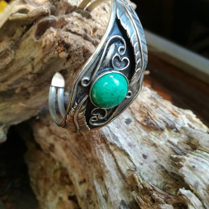 bangle with green cabochon Ethnic Native American or Mexican cuff bracelet Alpaca tribal style jewellery