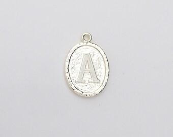 0ae6f42dc154 Dije Letra Inicial de Brass para Collar