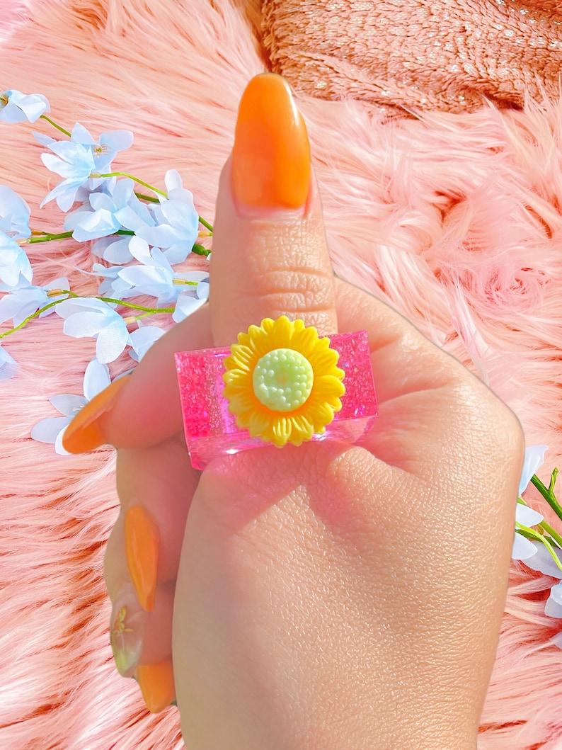 Flower pink square resin ring