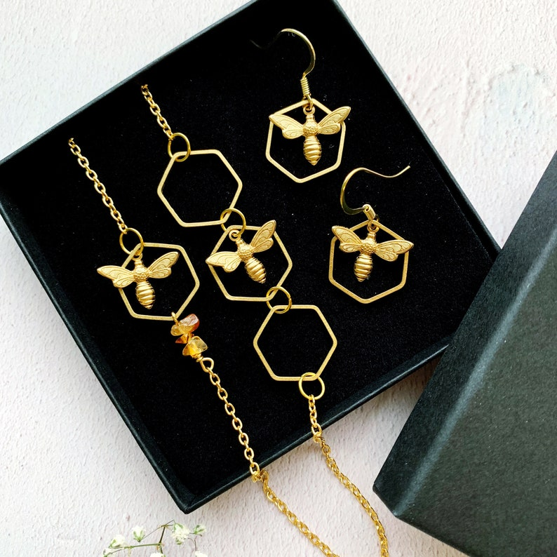Bee Necklace And Earring Gift Set