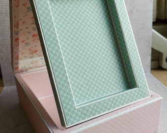 Pop up Picture Frame Box