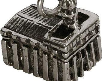 Silver Tone Nauvoo Temple Charm- J41
