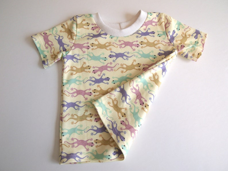 Colorful lizards Organic cotton knit top with short sleeves tops Baby/'s 6 months Tee T-Shirt original fabric design Geckos baby clothes
