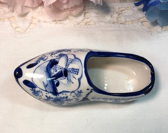 Humor Delft Miniature Plate With Pair Of Clogs Pottery & Glass