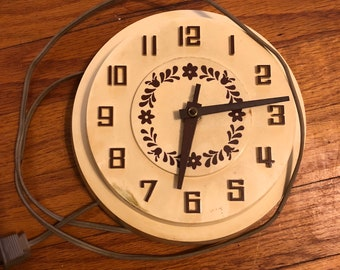 Vintage Kitchen Wall Clock, MrsPetunia Wall Clock, 1970s cream and brown