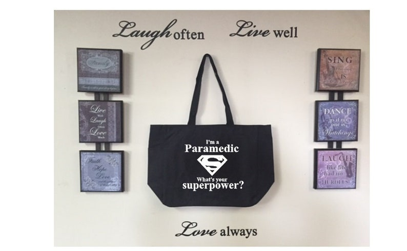 Custom design Perfect gift. I/'m a Paramedic what/'s your superpower Essential tote bag