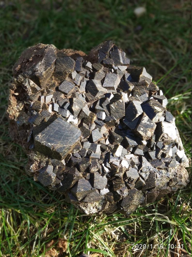 Garnet Melanite