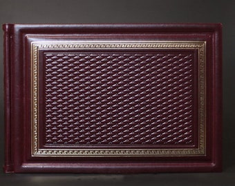 "Handmade photo album is made of high-quality natural leather ""Classic red"""