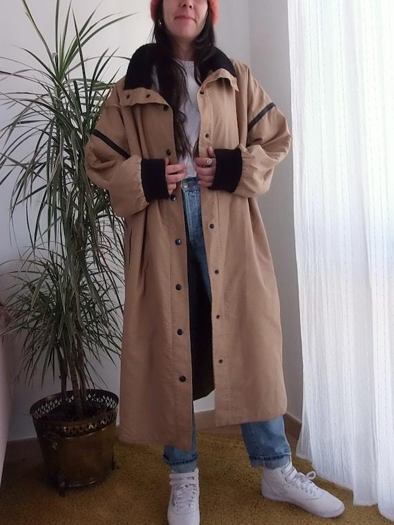 Guy Laroche vintage camel trench coat with wool li