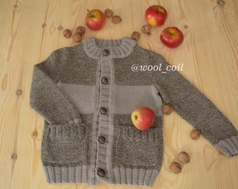Knitted cardigan for boy