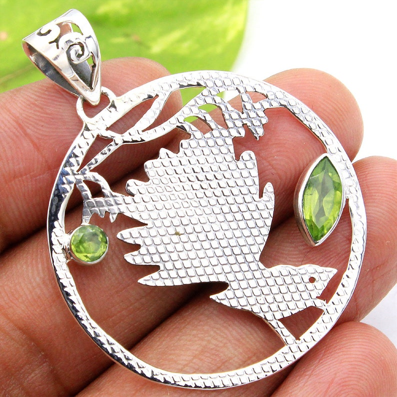 ap0811 Mother/'s Day Special Sale Peridot Gemstone Humming Bird Stylish Pendant-925 Sterling Silver Handmade Adorable Pendant Length 2