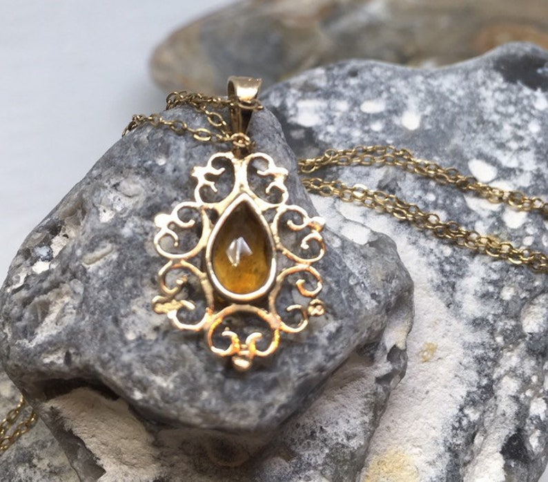 Vintage 9ct gold citrine pendant and chain
