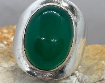 Chalcedony (green) vintage silver ring size ukO usa7.25