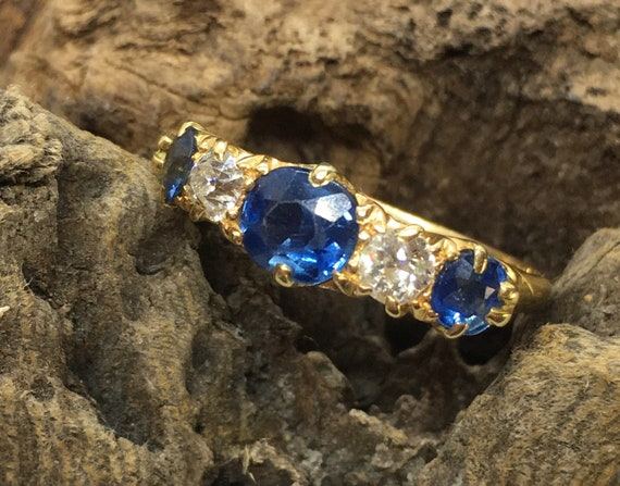 Fine antique 18ct sapphire and diamond ring size u