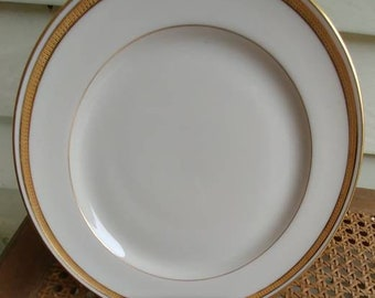 Lenox raised gold encrusted set of 10 lunch plates 8 1/4 inches