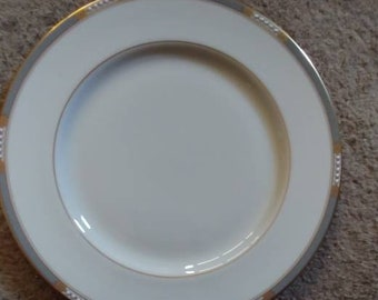 Lenox presidential set of 10 lunch  plates in the McKinley pattern 8 1/2 inches