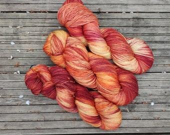Hand-dyed 100% Superwash Merino yarn, 4-ply, colourway Ablaze