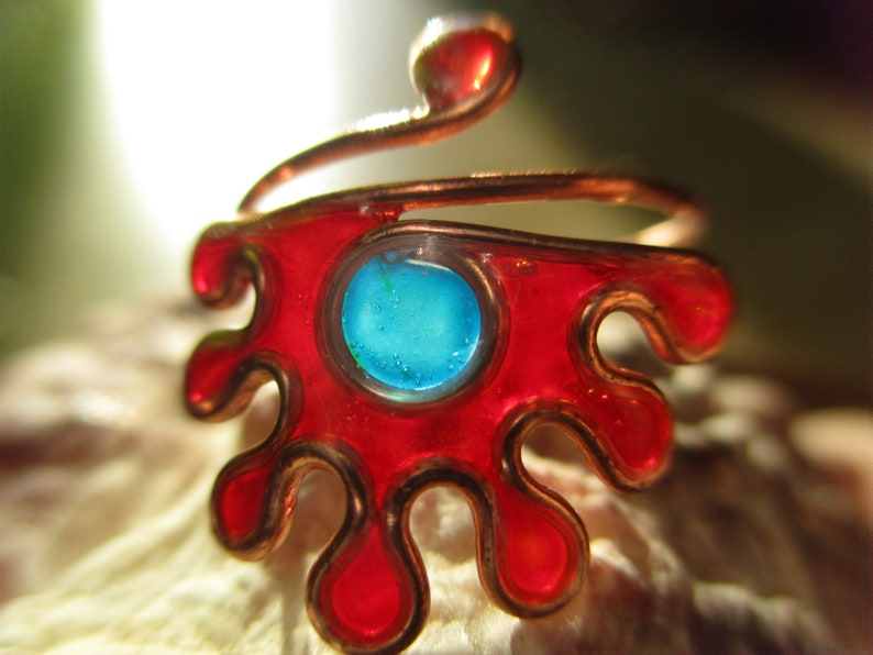 Adjustable Rings for the Phalanx to choose in various colors of hippie style and handmade boho with crystal resin and copper wire.