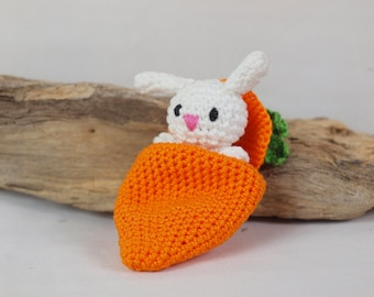 Amigurumi - little bunny in his carrot