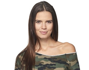 Womens Stylish Camo Fleece Raglan W Pouch Pocket Perfect For The Gym Or Going Out Wear Of Shoulder A Sexier Look
