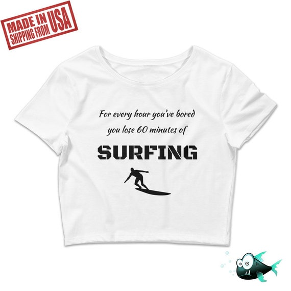 Surfing Lover Crop Top, Surfing Woman Crop, Girl Surfer Tee, Surfing Lover  Tshirt, Surf Board Shirt, Surfing Gear Top, Surf's Up T-Shirt