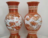 Japanese Kutani, Períod Meiji (1868-1913) pair of handpainted vases, good quality
