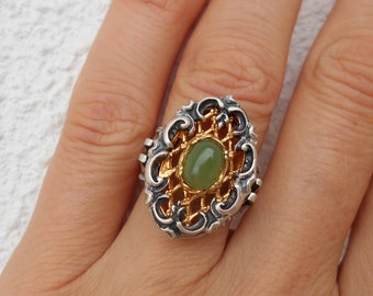 Historical Renaissance style silver ring guilded with oval cabuchon Jade stone solid silver ring