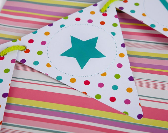 Polka Dot Customisable Bunting with 80 Alphabetical Reversible Flags and Wire Bulldog Clips for Memos and Photos - Dot to Dot