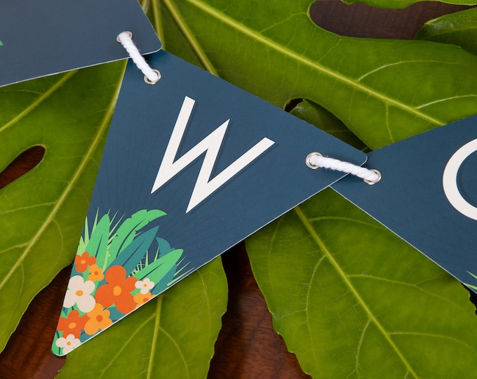Jungle Customisable Bunting with 80 Alphabetical Reversible Flags and Wire Bulldog Clips for Memos and Photos - Tropic Wonder