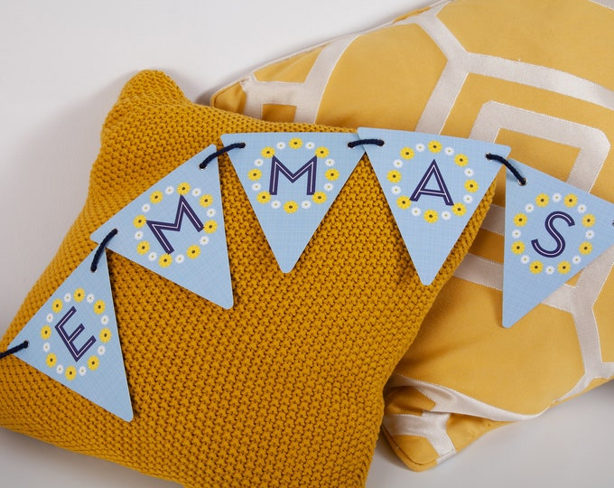 Yellow and White Daisy Customisable Bunting with 80 Alphabetical Reversible Flags and Wire Bulldog Clips for Memos and Photos - Oh, Daisy