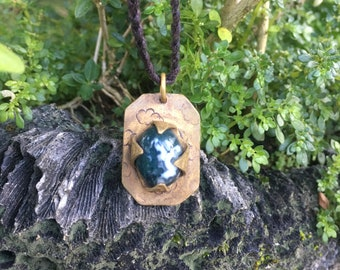 Up in The Clouds tree agate and brass pendant
