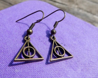 18 # earrings round and triangle symbol / / Harry Potter death relic