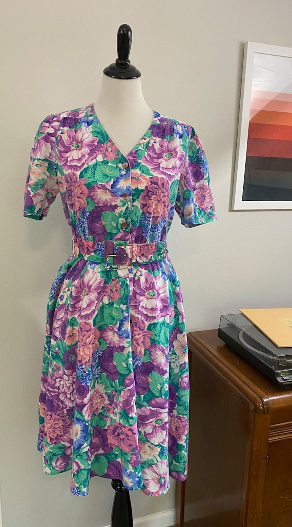 1980s Vibrant Floral Belted Day Dress