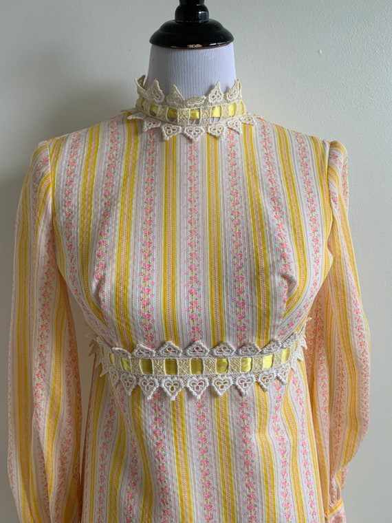 1960s Vintage Maxi Floral Dress, xxs-xs