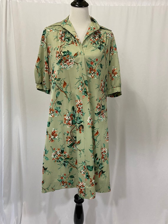 Vintage 1970s Green Floral Polyester Dress Housedr