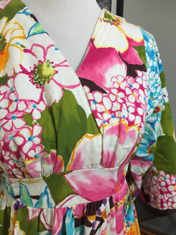 1970s Vibrant Floral Barkcloth Maxi Dress//Kimono… - image 2