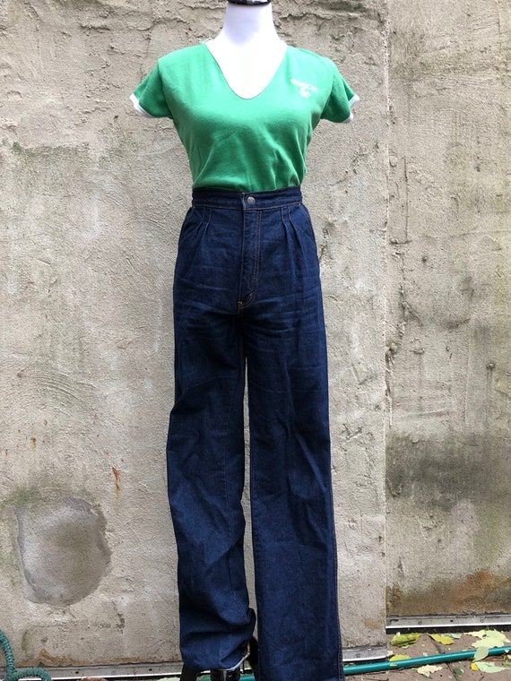High-waisted Pleated Trouser Style Jeans