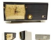 Vintage RCA Victor Levermatic Clock Tube Radio C-2J Mid Century Modern 1959
