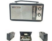 Vintage Channel Master 8 Transistor AM BC Leather Case Powers On