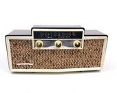 Vintage Sears Roebuck Silvertone 9007 Tube Radio Twin Speaker Bakelite MCM Brown
