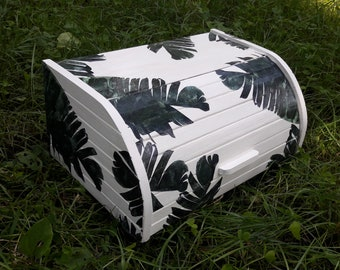 Wood bread box with tropical palm tree pattern